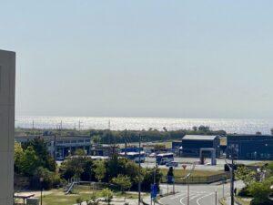 おはようございます今日も快晴で気持ちがいい淡路島です。昨日、沖合いに居たクレーンが、…