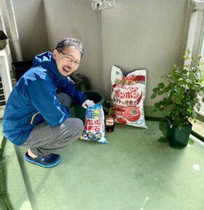 おはようございます今日は朝から、ベランダでトマト植えてました。トマト栽培セットが売って…